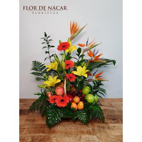 Cesta de Frutas y Flores Tropicana