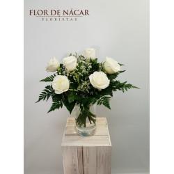 Ramo de 6 Rosas Blancas Delicadeza