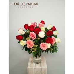 Ramo de 30 Rosas Rojas, Rosas y Blancas Aquitania