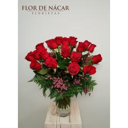 Ramo de 25 Rosas Rojas Burdeos